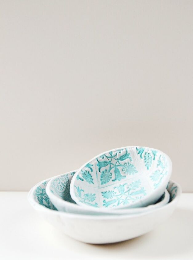 s 10 cute clay crafts you need to do this weekend, Make some stamped clay bowls