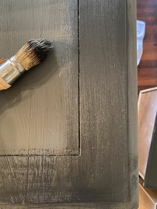 chalk paint furniture makeover for beginners