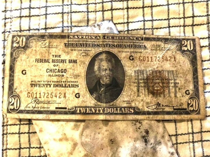 q how to clean antique currency