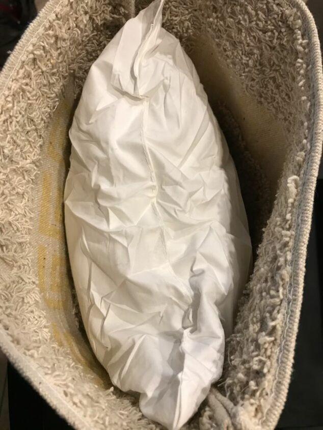 dt bath mat pillow