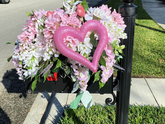 decorate your mailbox for valentine s day
