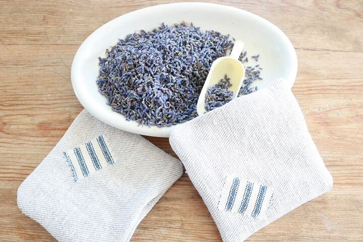 how to make farmhouse style lavender sachets