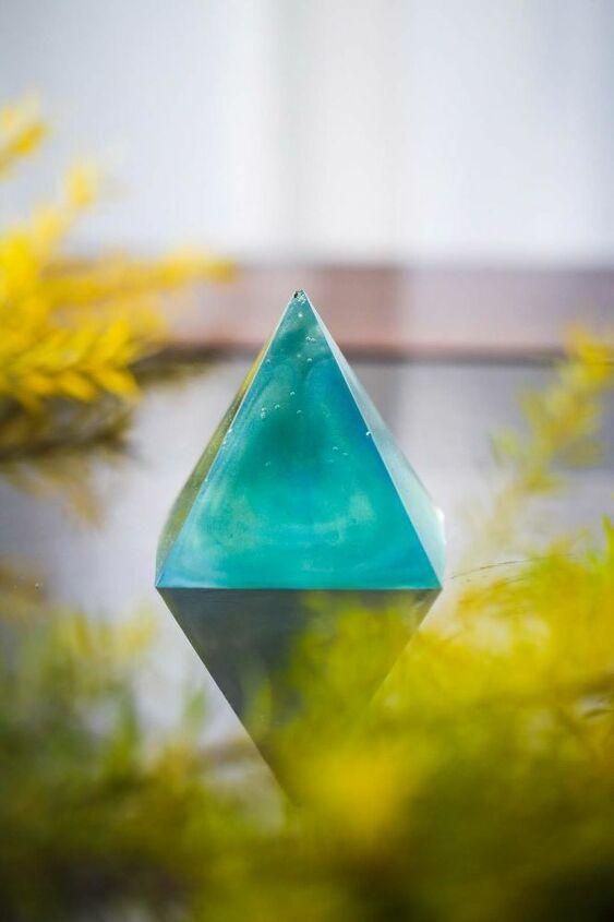 epoxy pyramid