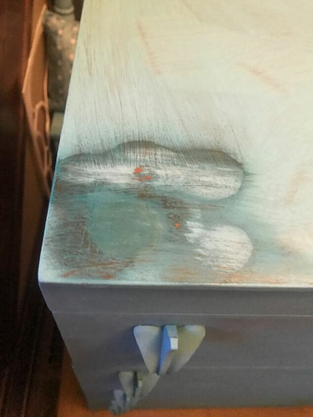 quick tip on fixing bleed through on chalk painted furniture and decor