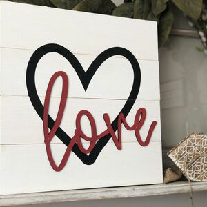 Shiplap love accent sign