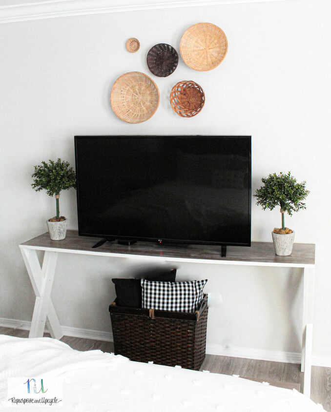 creating a basket wall for a cozy cottage style