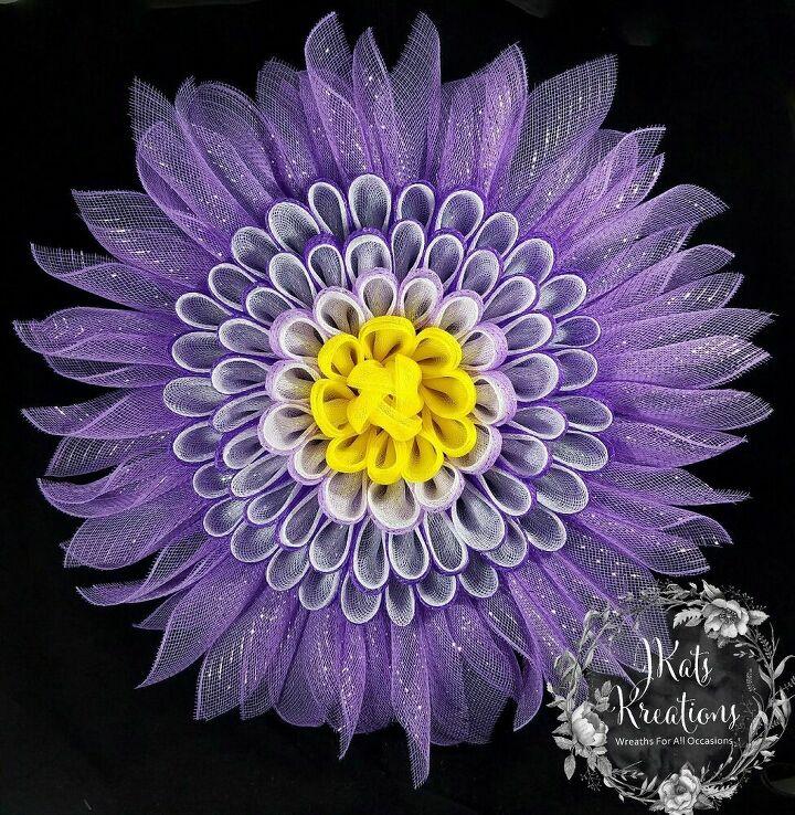 deco mesh daisy petal flower wreath tutorial