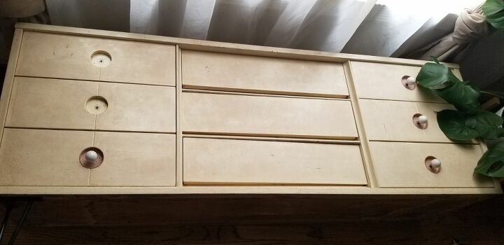 lost a land found dresser, Before