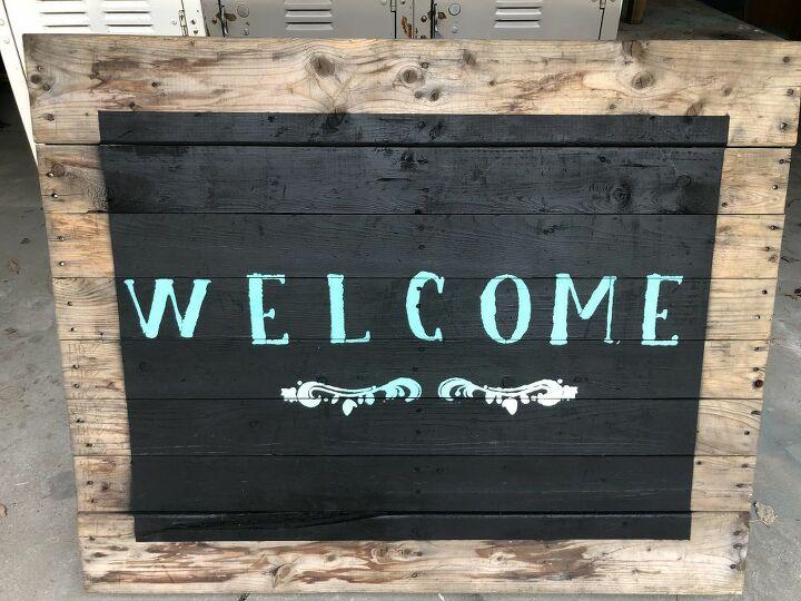 diy welcome sign on pallet