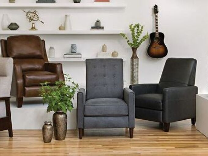 q which chair is best for living room