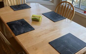 Easy Chalkboard Placemats