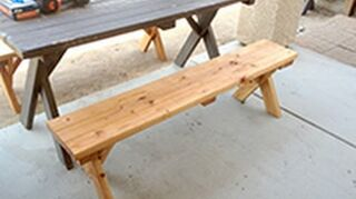 q how to build a picnic table bench