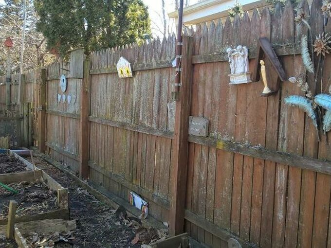q how to replace fence sections