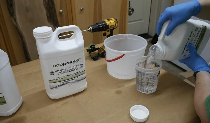 Mix and Pour Epoxy