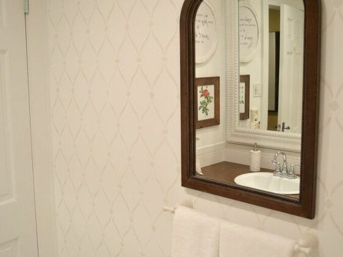 charming cottage style stenciled accent wall