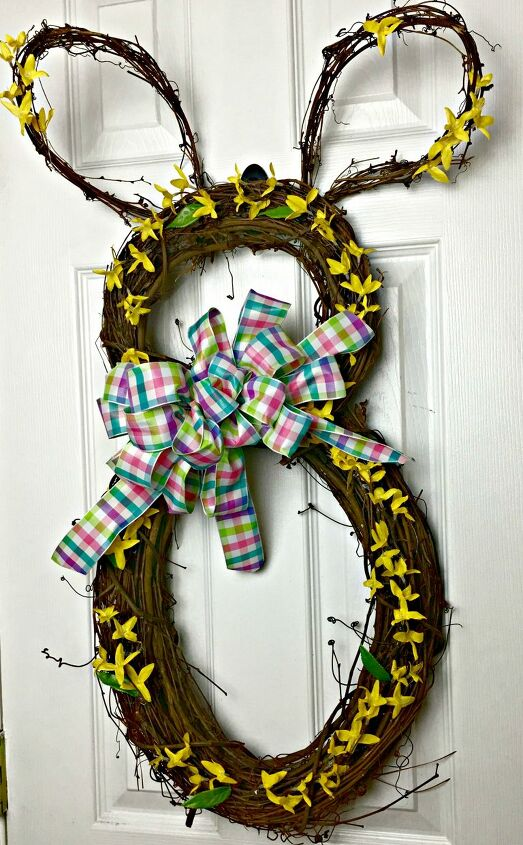 s 2 insanely cute bunny decor ideas to try this easter, Easter Bunny Wreath