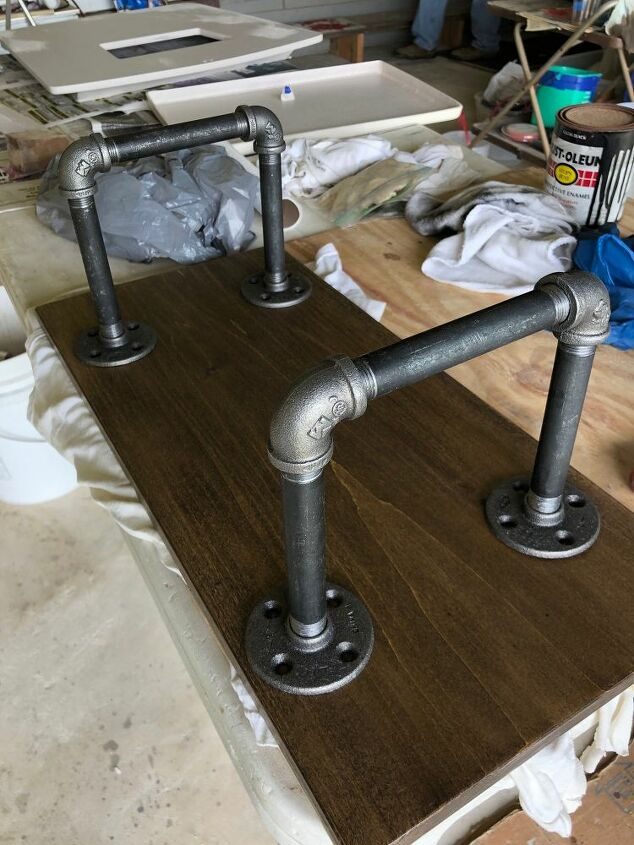 black pipe bed tray