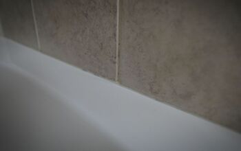 Fix Moldy Silicone Shower Caulking & Get Perfect Caulking Lines