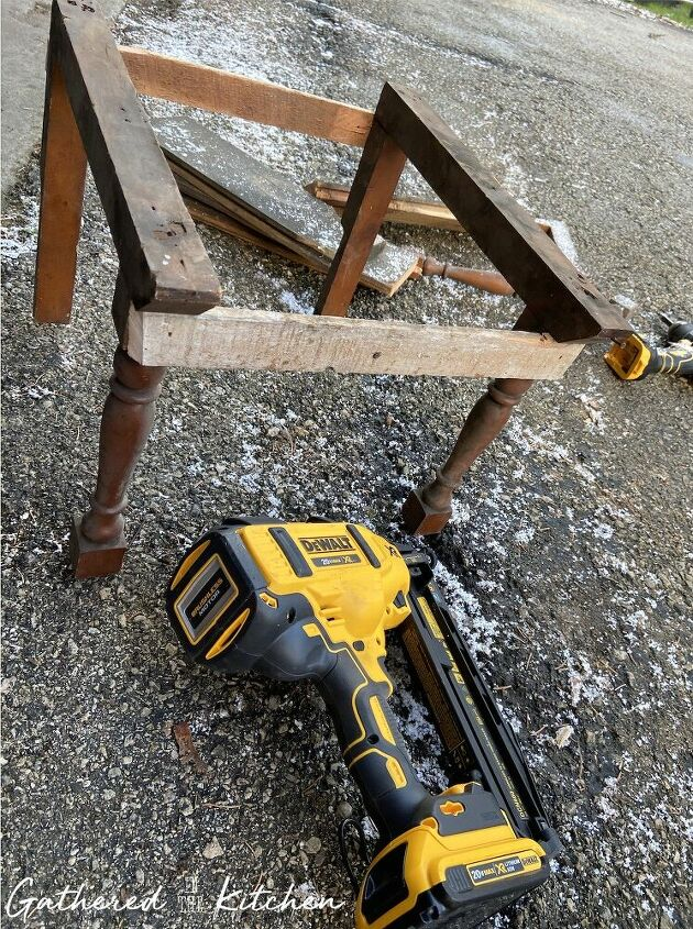 diy porch stool made from scrap wood