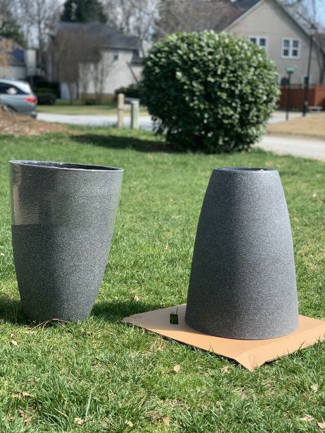 use mud and paint to update boring planters