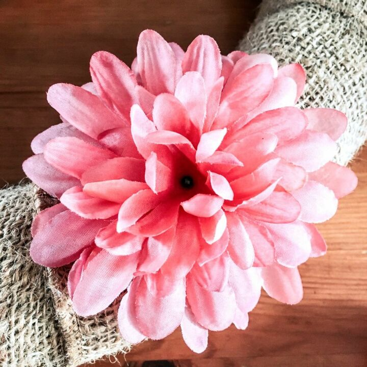 beautiful spring wreath using a pool noodle