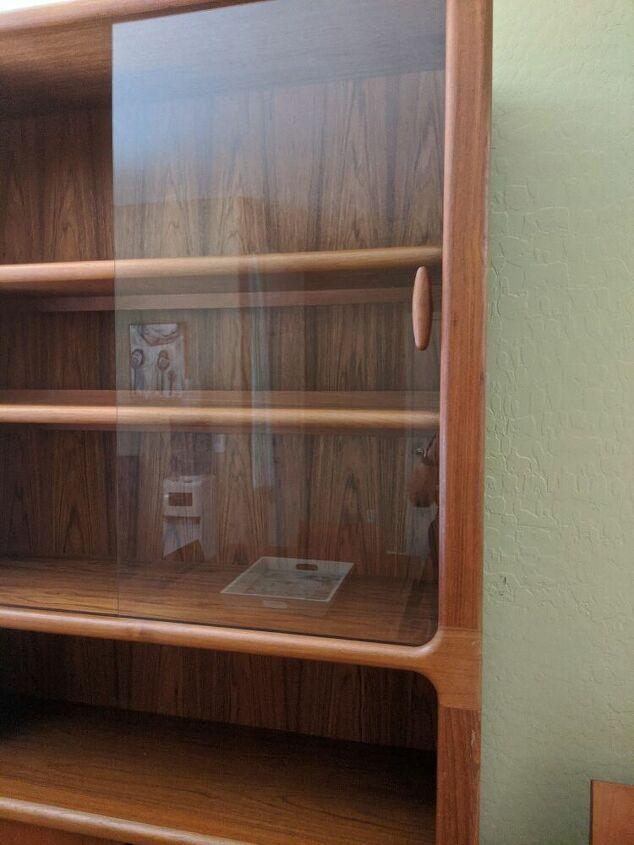q how do i remove wooden handle from glass door