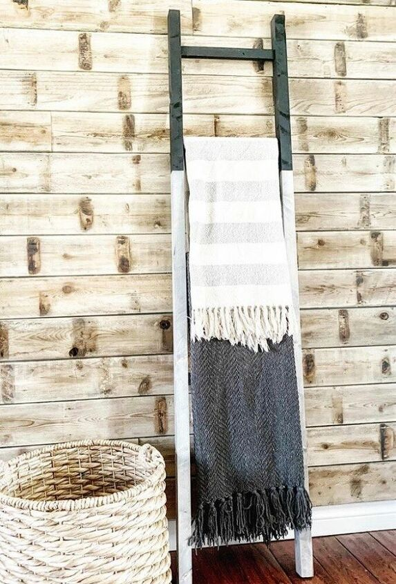two toned blanket ladder