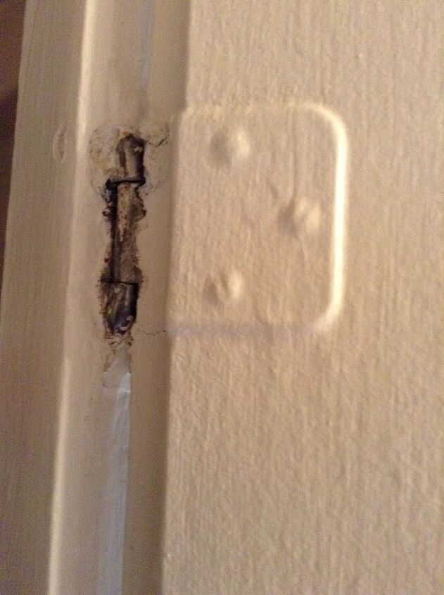 q how to remove paint from hinges