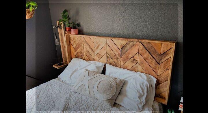 DIY Farmhouse Pallet Headboard