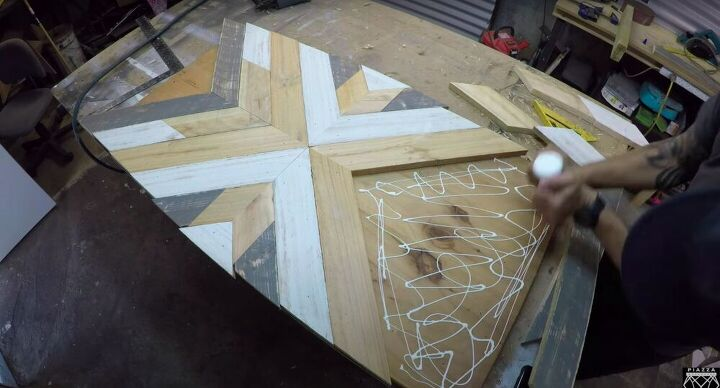 Glue the Pallet Wood