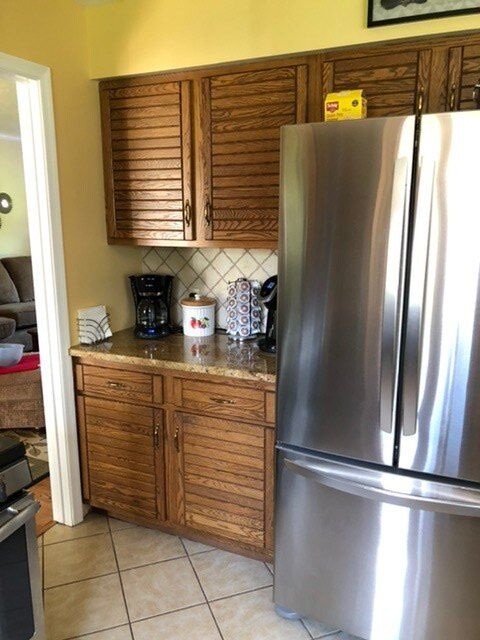 q how do i choose a paint for my cabinets