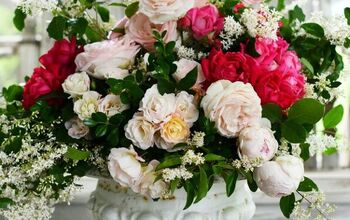 Create a Flower Arrangement With Roses and Foliage From the Garden