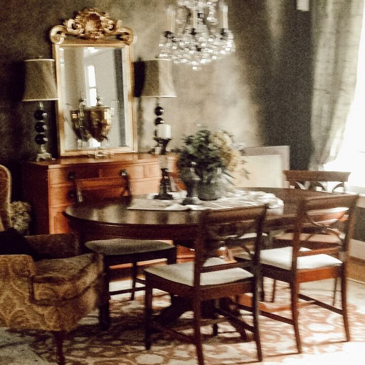 Original  Sideboard (only photo available)