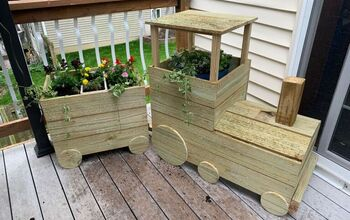 DIY Train Planter From Fence Pickets