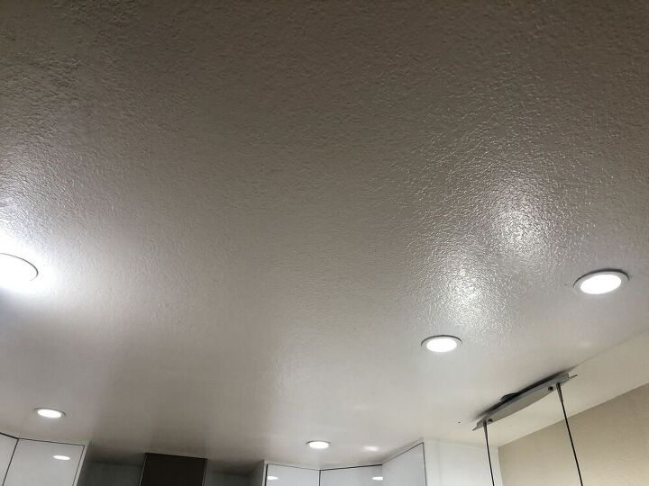 q how to fix one of the ceiling light