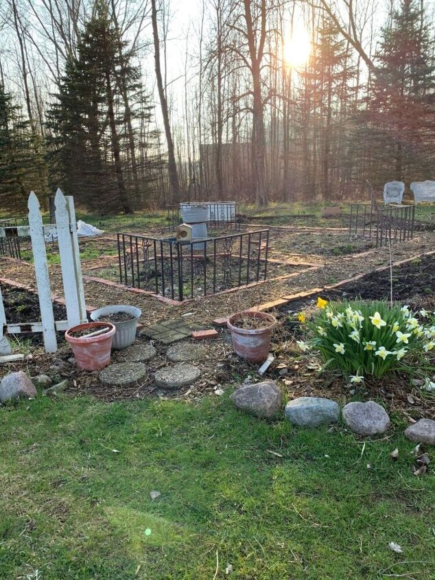 q how to level the garden paths planting beds