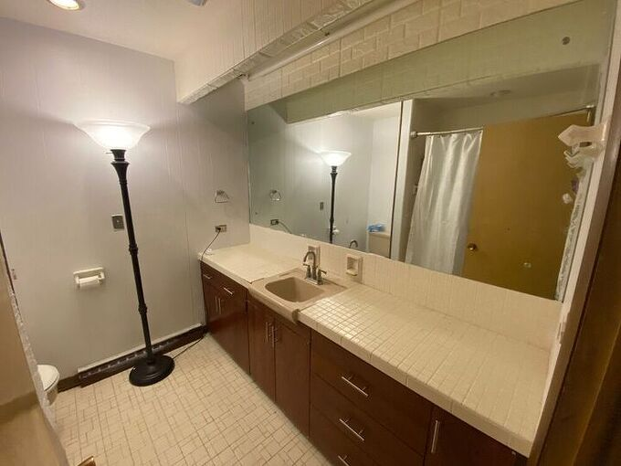 q how do i give my bathroom a face lift cost effectively