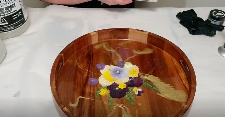 DIY Pressed Flowers in Resin