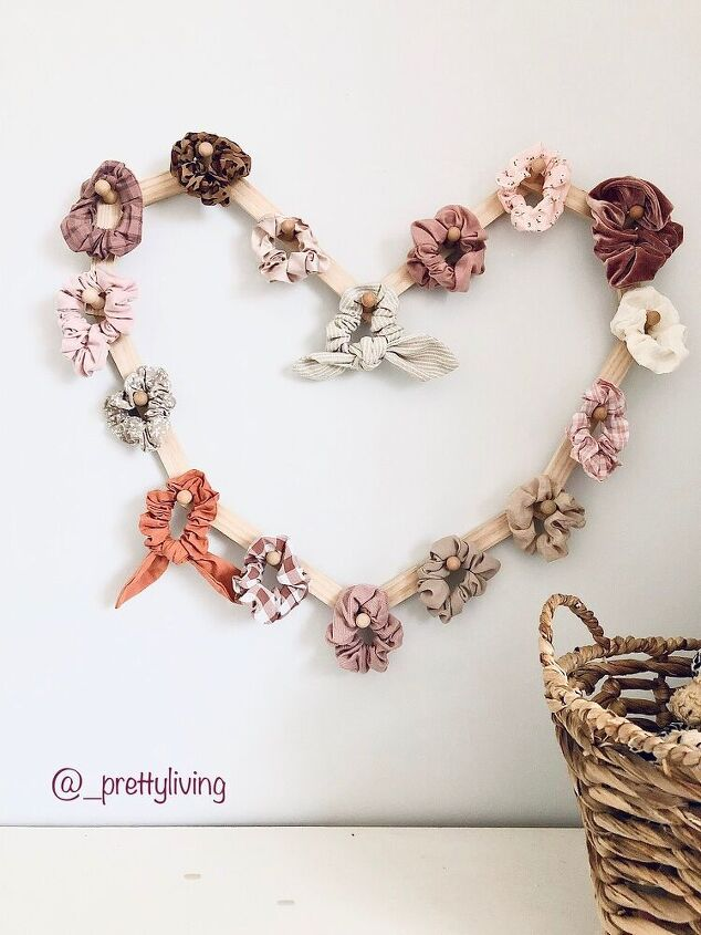 scrunchie storage display heart