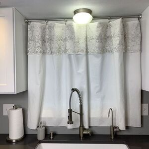 No-Sew Kitchen Curtain