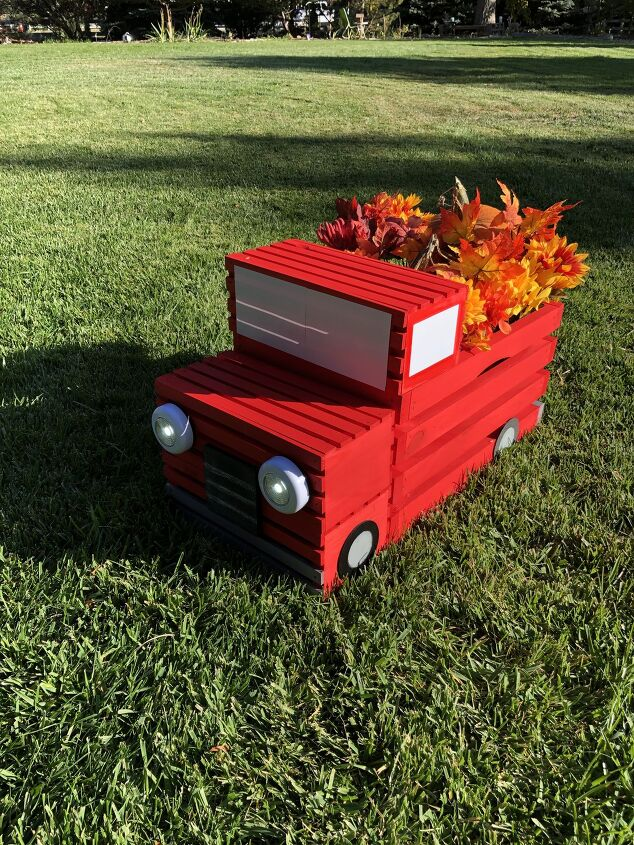 s 16 awesome ways to decorate for july 4th, DIY Crate Red Pickup Truck