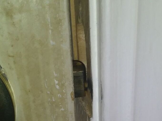 q help with bedroom door