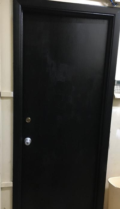 q how do i paint interior doors black