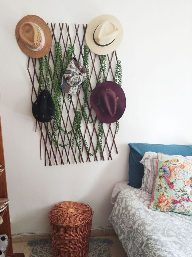 live hat wall