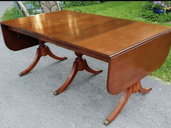 q how to restain a duncan phyfe table