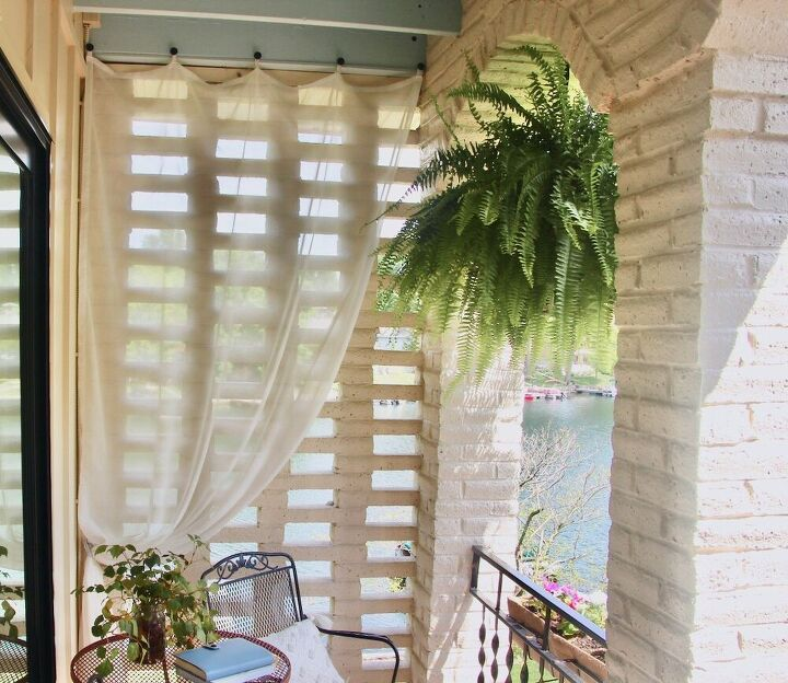 how to hang outdoor sheer curtains and they stay put in the wind