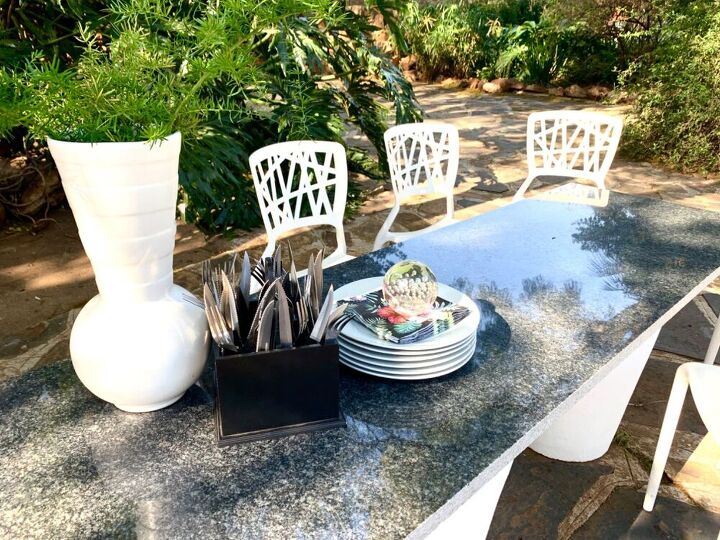 quick garden dining table