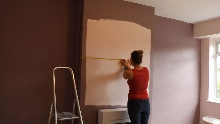 painting a wall circle feature