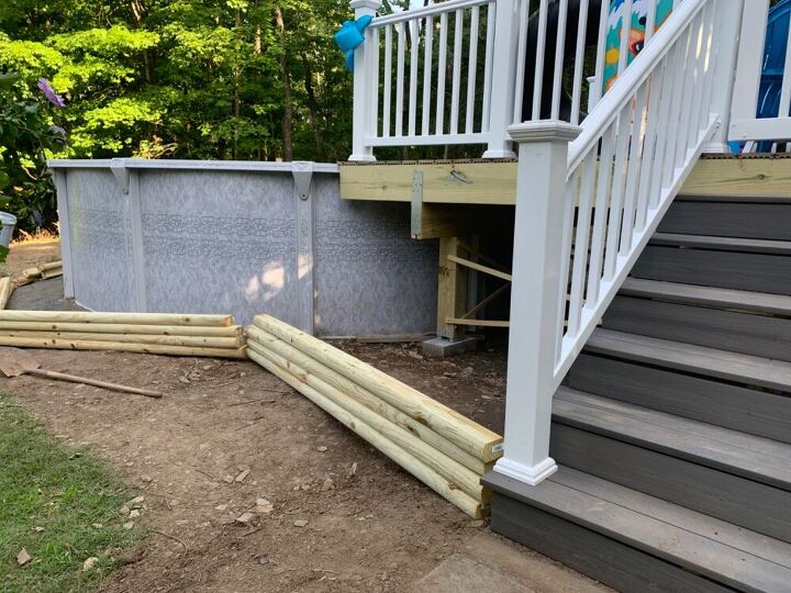 q build a short retaining wall around a pool