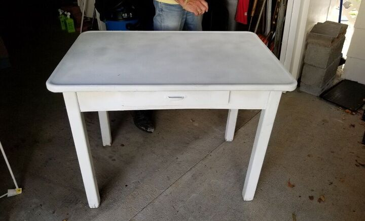 q how do i remove spray paint from porcelain table top